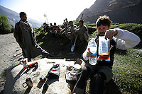 day 5, at one of the numerous checkpoints, jeremy cooks up a MRE (meal ready to eat) military food in a box. What do war correspondences do on the holidays. 4 Kabul based journalists were the first westerners to ride motorcycles into the Wakhan corridor.the 12 day trip was full with dramas, breakdowns, arrests, crashes, yak riding and many miles. over 1200 kms they travelled and reached their desired destination of surhad e brogil deep in the wakhan corridor. location of the great game and once named the roof of the world.