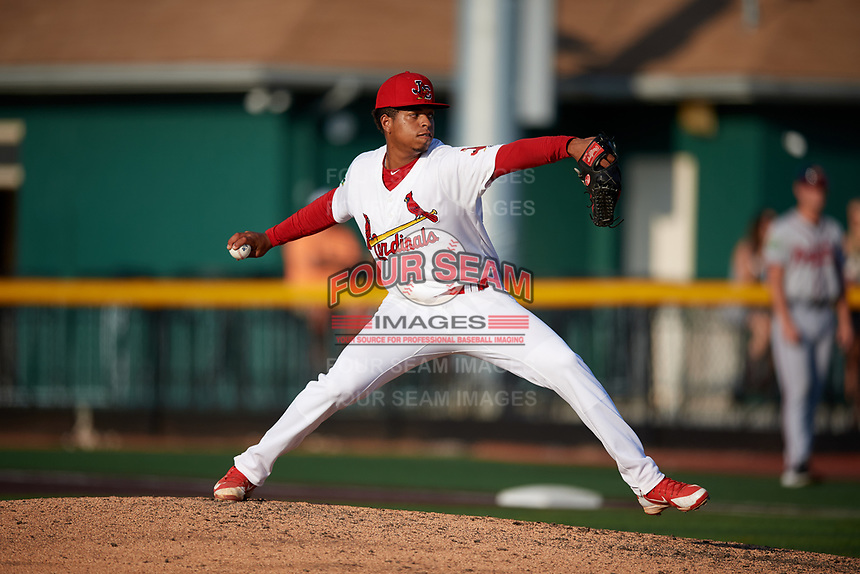Johnson City Cardinals relief pitcher Oneiver Diaz (28) delivers a pitch during a game against the Danville Braves on July 29, 2018 at TVA Credit Union Ballpark in Johnson City, Tennessee.  Johnson City defeated Danville 8-1.  (Mike Janes/Four Seam Images)
