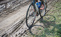 the 'road' looks very similar to a cyclocross course for many of the sections<br /> <br /> 90th Schaal Sels 2015
