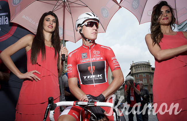 maglia rossa Giacomo Nizzolo (ITA/Trek Factory Racing) at the start of the final stage<br /> <br /> Giro d'Italia 2015<br /> final stage 21: Torino - Milano (178km)
