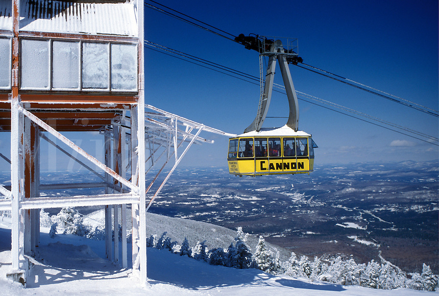 aerial tramway, NH, New Hampshire, Franconia Notch State Park, Yellow Gondola at Cannon Mountain Ski Resort in the White Mountains National Forest of New Hampshire in winter.