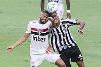 São Paulo (SP), 10/01/2021 - São Paulo-Santos - Reinaldo e Brubo Marques. Partida entre São Paulo e Santos válida pelo Campeonato Brasileiro neste domingo (10) no estádio do Morumbi em São Paulo.