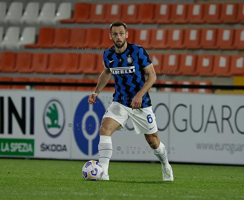Stefan De Vrij of Inter  during the  italian serie a soccer match,Spezia Inter Milan at  the STadio Picco in La Spezia Italy ,