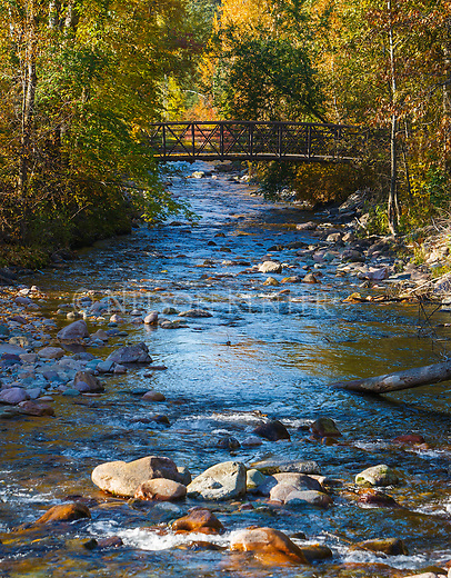 Footbridge in Greenough Park over the Rattlesnake Creek. In Missoula, Montana on a fall morning.