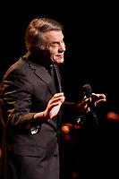 Le chanteur francais Salvatore ADAMO, en spectacle a la Place-des-Art,Montreal, CANADA,  Septembre 2009<br /> <br /> PHOTO :  Agence  Quebec Presse