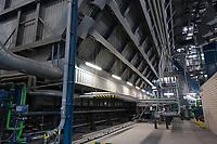 Germany, Hamburg, Vattenfall coal power station Moorburg, switched off in july 2021 as part of german coal exit / DEUTSCHLAND, Hamburg, Vattenfall Kohlekraftwerk Moorburg, in Betriebnahme 2015, letzter Betrieb vor endgültiger Abschaltung im Juli 2021, Kesselhaus, Kessel zur Kohleverbrennung