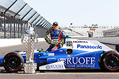 Verizon IndyCar Series<br /> Indianapolis 500 Winner Portrait<br /> Indianapolis Motor Speedway, Indianapolis, IN USA<br /> Monday 29 May 2017<br /> Takuma Soto poses for the 500 winner photos<br /> World Copyright: Phillip Abbott<br /> LAT Images<br /> ref: Digital Image abbott_indyD_0517_35749