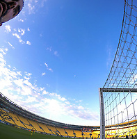 Central Coast Mariners goalkeeper Mark Birighitti during the A-League football match between Wellington Phoenix and Central Coast Mariners at Westpac Stadium in Wellington, New Zealand on Saturday, 4 January 2020. Photo: Dave Lintott / lintottphoto.co.nz