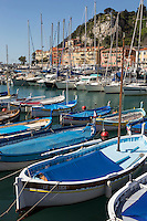 Europe/France/Provence-Alpes-Côte d'Azur/Alpes-Maritimes/ Nice: Le Port Lympia ou port de Nice, pointus   // Europe, France, Provence-Alpes-Côte d'Azur, Alpes-Maritimes, Nice:  Lympia port or port of Nice, pointus local fishing boats