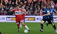 KV Kortrijk - Club Brugge : Lukas Van Eenoo (links) aan de bal voor Timmy Simons (r) <br /> Foto VDB / Bart Vandenbroucke