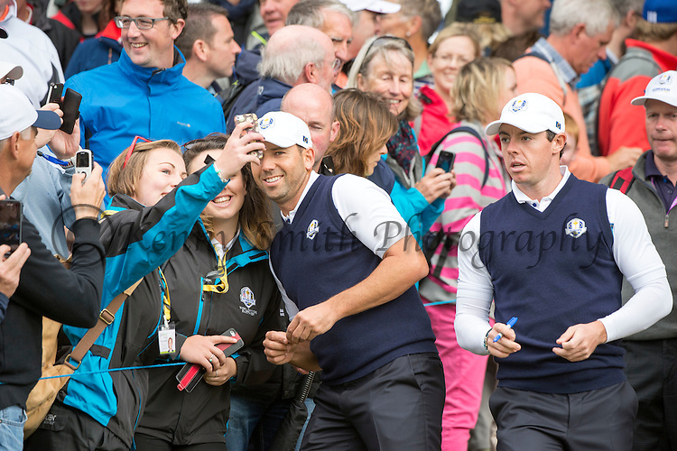 Spaniard Sergio Garcia poses with fans for selfies during a practice session at Gleneagles Golf Course, Perthshire. Photo credit should read: Kenny Smith/Press Association Images.