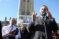NDP Leader Thomas Mulcair welcomes the walkers.  march 23, 2013<br /> <br /> PHOTO : Agence Quebec Presse