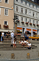 Marburg: Marktplatz fountain. St. George statue on pedestal of fountain. Photo '87.