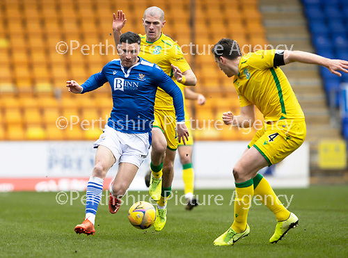 St Johnstone v Hibs …06.03.21   McDiarmid Park   SPFL<br />Michael O'Halloran is closed down by Alex Gogic and Paul Hanlon<br />Picture by Graeme Hart.<br />Copyright Perthshire Picture Agency<br />Tel: 01738 623350  Mobile: 07990 594431