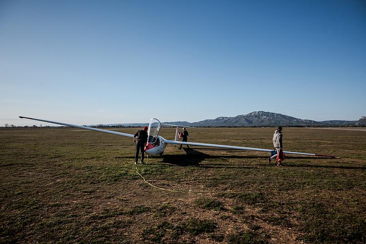 Aérodrome Salon-Eyguières - Activité de Vol à voile ( planeur ) - Eyguières