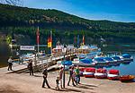Deutschland, Baden-Wuerttemberg, Schwarzwald, Titisee-Neustadt: Kurort Titisee am gleichnamigen See | Germany, Baden-Wurttemberg, Schwarzwald, Titisee-Neustadt: health resort Titisee at Lake Titisee