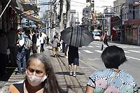 Campinas (SP), 25/03/2021 - Covid-SP - Av Dr. Campos Salles. Movimentacao na regiao central de Campinas, no interior de Sao Paulo, nesta quinta-feira (25). A cidade vai ampliar as medidas restritivas na quarentena a partir desta sexta-feira (26). Com as novas regras, sera permitido o acesso de apenas uma pessoa por familia em servicos essenciais, como supermercados e padarias, e o drive-thru sera exclusivo para alimentacao - comercio em geral podera atender somente por delivery. (Foto: Denny Cesare/Codigo 19/Codigo 19)