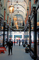 London: Royal Arcade, 1879.