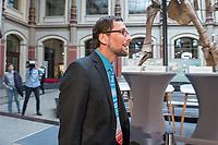 """Am Montag den 8. April 2019 trugen Schuelerinnen und Schueler der Bewegung """"#Fridays4Future"""" auf einer Pressekonferenz im Berliner Naturkundemuseum ihre Forderungen an die Politik vor.<br /> Im Bild: Professor Volker Quaschning (""""Scientist for Future"""").<br /> 8.4.2019, Berlin<br /> Copyright: Christian-Ditsch.de<br /> [Inhaltsveraendernde Manipulation des Fotos nur nach ausdruecklicher Genehmigung des Fotografen. Vereinbarungen ueber Abtretung von Persoenlichkeitsrechten/Model Release der abgebildeten Person/Personen liegen nicht vor. NO MODEL RELEASE! Nur fuer Redaktionelle Zwecke. Don't publish without copyright Christian-Ditsch.de, Veroeffentlichung nur mit Fotografennennung, sowie gegen Honorar, MwSt. und Beleg. Konto: I N G - D i B a, IBAN DE58500105175400192269, BIC INGDDEFFXXX, Kontakt: post@christian-ditsch.de<br /> Bei der Bearbeitung der Dateiinformationen darf die Urheberkennzeichnung in den EXIF- und  IPTC-Daten nicht entfernt werden, diese sind in digitalen Medien nach §95c UrhG rechtlich geschuetzt. Der Urhebervermerk wird gemaess §13 UrhG verlangt.]"""