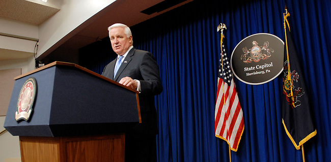 Pennsylvania Gov. Tom Corbett addresses the media during a news conference saying he's removing a number of stateemployees as a result of an investigation into a Philadelphia abortionclinic where a doctor is accused of performing illegal abortions thatresulted in the deaths of a patient and viable infants Tuesday, Feb 15, 2011 in Harrisburg, Pa. (AP Photo/Bradley C Bower).