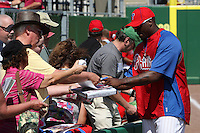 Philadelphia Phillies pitcher Dontrelle Willis #53 signs autographs before a scrimmage against the Florida State Seminoles at Brighthouse Field on February 29, 2012 in Clearwater, Florida.  Philadelphia defeated Florida State 6-1.  (Mike Janes/Four Seam Images)