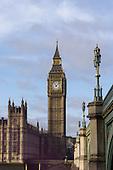 Westminster, London, England. Elizabeth Tower, the tower of Big Ben and Westminster Bridge.