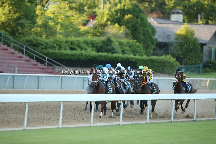 May 2, 2020: The start of the 2nd division of the Arkansas Derby at Oaklawn Racing Casino Resort in Hot Springs, Arkansas on May 2, 2020. Justin Manning/Eclipse Sportswire/CSM