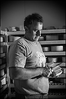 France, Aquitaine, Pyrénées-Atlantiques, Pays Basque, Vallée des Aldudes, Banca: Michel Bidart producteur de fromage de brebis : Ossau-Irraty , Gaec Ohako, Maison Ohakoa//  France, Pyrenees Atlantiques, Basque Country,  Aldudes Valley, Banca:  [Autorisation : 2014-147]