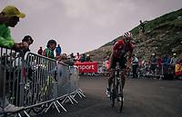 Jelle Vanendert (BEL/Lotto-Soudal) up the brutal Col du Portet (HC/2250m/16km at 8.7%/Souvenir Henri Desgrange) in this historically short stage (only 65km)<br /> <br /> Stage 17: Bagnères-de-Luchon > Saint-Lary-Soulan (65km)<br /> <br /> 105th Tour de France 2018<br /> ©kramon