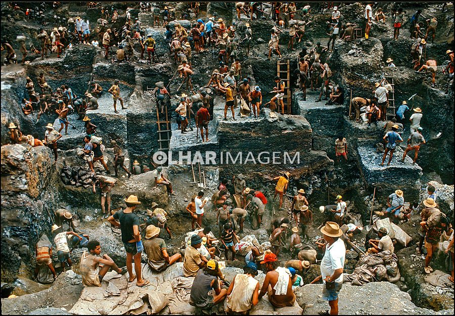 Garimpo de ouro Serra Pelada. Para. 1986. Foto © Juca Martins.