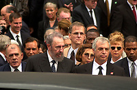D&K :	Montreal, 2000-10-03 <br /> Cuba President, Fidel Castro leaving after<br /> g the funeral of former Canadian Prime Minister, the Honorable Pierre Eliott Trudeau  held at the Notre-Dame Basilica in Montreal (QuÈbec, Canada) on October 10th, 2000.<br /> Photo : Pierre Roussel / Newsmakers