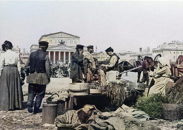 1900-е. Торговля на Театральной площади . Москва. Российская Империя.