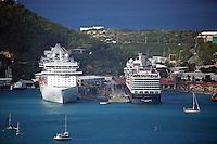 Blick vom Aussichtspunkt der Seilbahn des St. Thomas Skyride am Hafen von Charlotte Amalie in St. Thomas auf die Niew Amsterdam