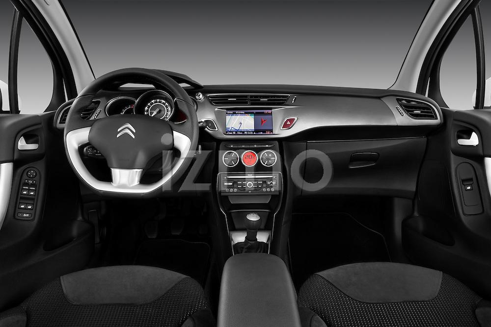 Straight Dashboard view of 2010 Citroen C3 Exclusive 5 Door Hatchback Stock Photo
