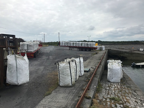 200 tonnes of cultch getting ready to deploy