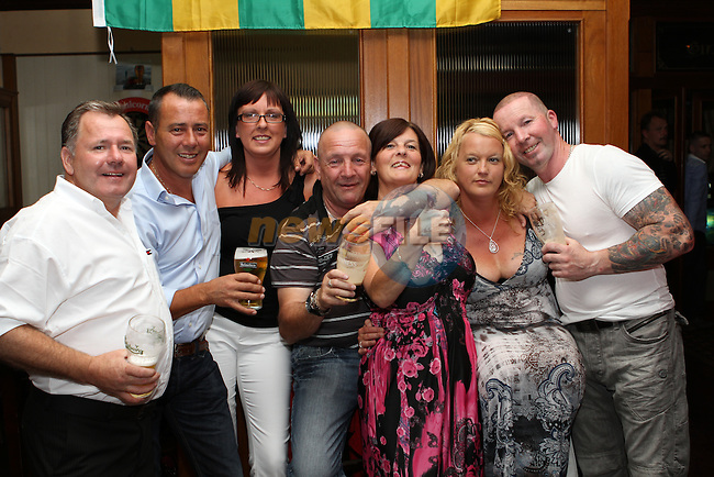Razz and Pat Reilly's 40th Wedding Anniversary in The Thatch...(Photo credit should read Jenny Matthews www.newsfile.ie)....This Picture has been sent you under the conditions enclosed by:.Newsfile Ltd..The Studio,.Millmount Abbey,.Drogheda,.Co Meath..Ireland..Tel: +353(0)41-9871240.Fax: +353(0)41-9871260.GSM: +353(0)86-2500958.email: pictures@newsfile.ie.www.newsfile.ie.