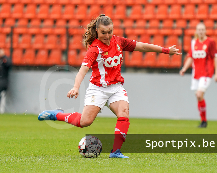 Standard's Davinia Vanmechelen (25) in action during a female soccer game between Standard Femina de Liege and KRC Genk Ladies  on the third matchday of the 2020 - 2021 season of Belgian Womens Super League , Saturday 3 rd of October 2020  in Liege , Belgium . PHOTO SPORTPIX.BE | SPP | SEVIL OKTEM
