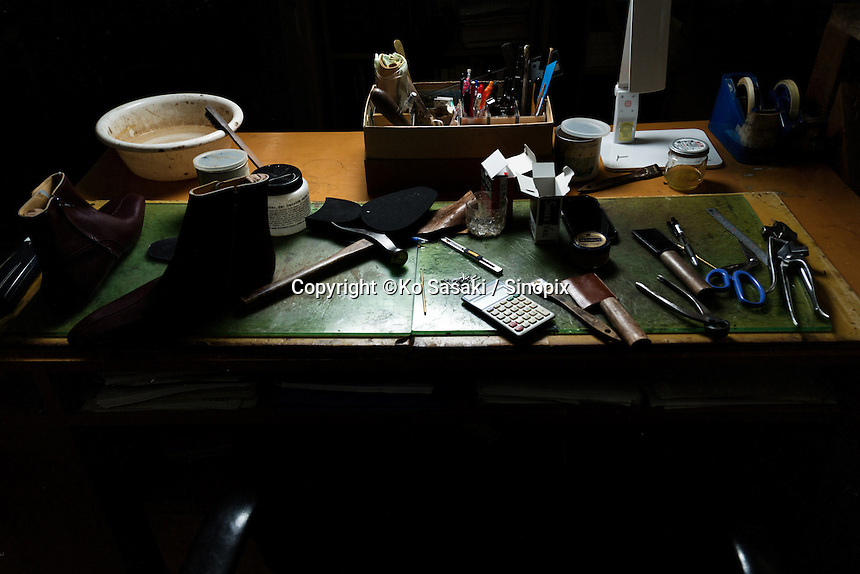 Shoe making tools on the desk at atelier of Sarukawa Footwear College