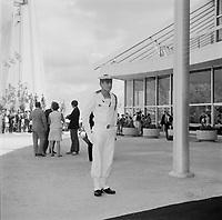 Charles DeGaulle<br /> visite Expo 67, accompagne du premier ministre Daniel Johnson, le 25 juillet 1967. <br /> <br /> PHOTO : Agence Quebec Presse - Roland lachance