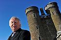07/02/12 - TOURNEMIRE - CANTAL - FRANCE - Mr Chanot, guide du Chateau d Anjony - Photo Jerome CHABANNE
