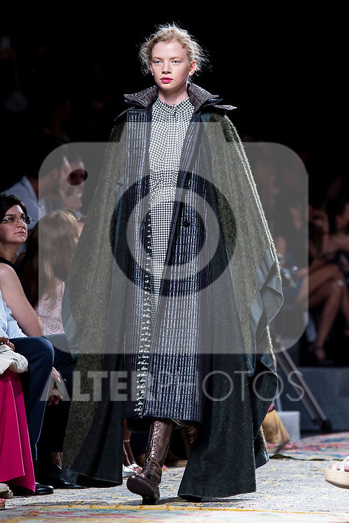 A model walks the runway at the 'Roberto Verino' catwalk during the Mercedes-Benz Madrid Fashion Week Spring/Summer in Madrid, Spain. July 09, 2018. (ALTERPHOTOS/Borja B.Hojas)