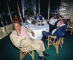 TAVOLO DEI GIORNALISTI<br /> FESTA PER I 60 ANNI DI MAURIZIO COSTANZO<br /> MANEGGIO DI GIANNELLA  1998
