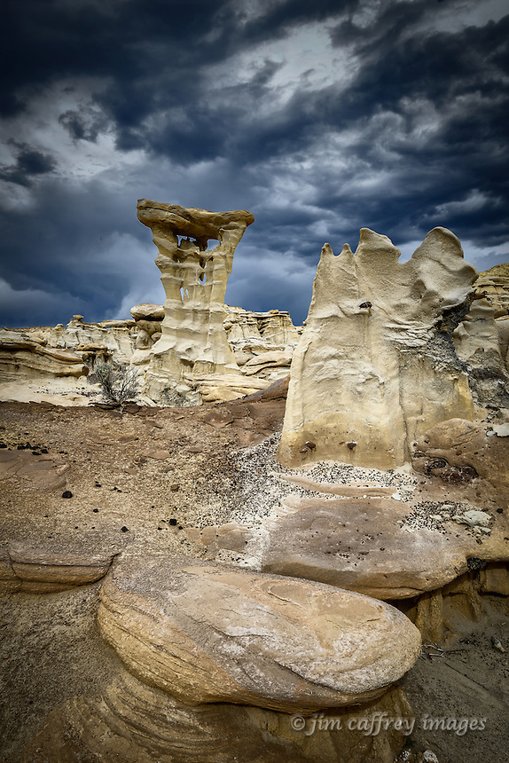 Bizarre formations in a small badlands area along the edge of Ah Shi Sle Pah Wash in New Mexico's San Juan Basin