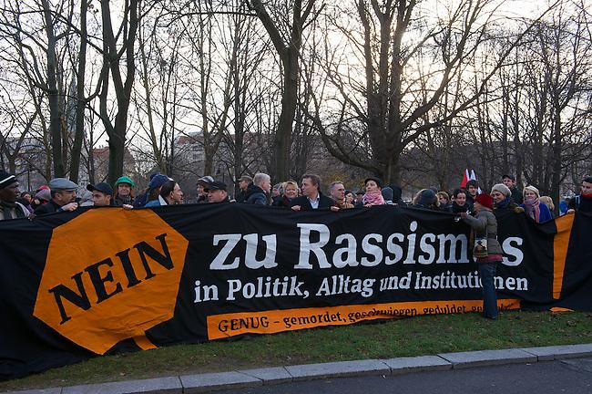 """Demonstration gegen Rassismus in Berlin.<br /> Anlaesslich des Internationalen Tag der<br /> Menschenrechte demonstrierten am Samstag den 10. Dezember 2011 mehr als 1000 Menschen in Berlin gegen """"institutionellen Rassismus und alltaeglichen<br /> Rassismus"""". Sie erinnerten namentlich an Enver Simsek, Abdurrahim Oezuedogru, Sueleyman Taskoeprue, Habil K?l?c, Yunus<br /> Turgut, Ismail Yasar, Theodoros Boulgarides, Mehmet Kubasik und Halit<br /> Yozgat die zwischen 2000 und 2006 von Neofaschisten des sog. Nationalsozialistischen Untergrund (NSU) kaltbluetig ermordet wurden.<br /> Aufgerufen zu der Demonstration hatte der Migrationsrat Berlin Brandenburg e.V.<br /> 10.12.2011, Berlin<br /> Copyright: Christian-Ditsch.de<br /> [Inhaltsveraendernde Manipulation des Fotos nur nach ausdruecklicher Genehmigung des Fotografen. Vereinbarungen ueber Abtretung von Persoenlichkeitsrechten/Model Release der abgebildeten Person/Personen liegen nicht vor. NO MODEL RELEASE! Nur fuer Redaktionelle Zwecke. Don't publish without copyright Christian-Ditsch.de, Veroeffentlichung nur mit Fotografennennung, sowie gegen Honorar, MwSt. und Beleg. Konto: I N G - D i B a, IBAN DE58500105175400192269, BIC INGDDEFFXXX, Kontakt: post@christian-ditsch.de<br /> Bei der Bearbeitung der Dateiinformationen darf die Urheberkennzeichnung in den EXIF- und  IPTC-Daten nicht entfernt werden, diese sind in digitalen Medien nach §95c UrhG rechtlich geschuetzt. Der Urhebervermerk wird gemaess §13 UrhG verlangt.]"""