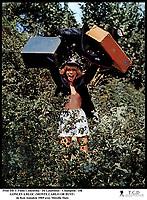 Prod DB © Films Concordia - De Laurentiis - Champion / DR<br /> GONLES A BLOC (MONTE CARLO OR BUST) de Ken Annakin 1969 USA / GB<br /> avec Mireille Darc<br /> abandone?e, valises, voyage, tourisme