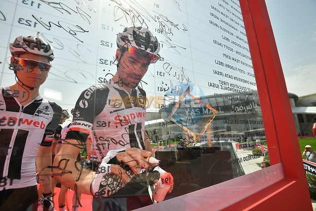 Tom Dumoulin (NED) Team Sunweb at sign on before the start of Stage 2 of the 2018 Abu Dhabi Tour, Yas Island Stage running 154km from Yas Mall to Yas Beach, Abu Dhabi, United Arab Emirates. 22nd February 2018.<br /> Picture: LaPresse/Massimo Paolone | Cyclefile<br /> <br /> <br /> All photos usage must carry mandatory copyright credit (© Cyclefile | LaPresse/Massimo Paolone)
