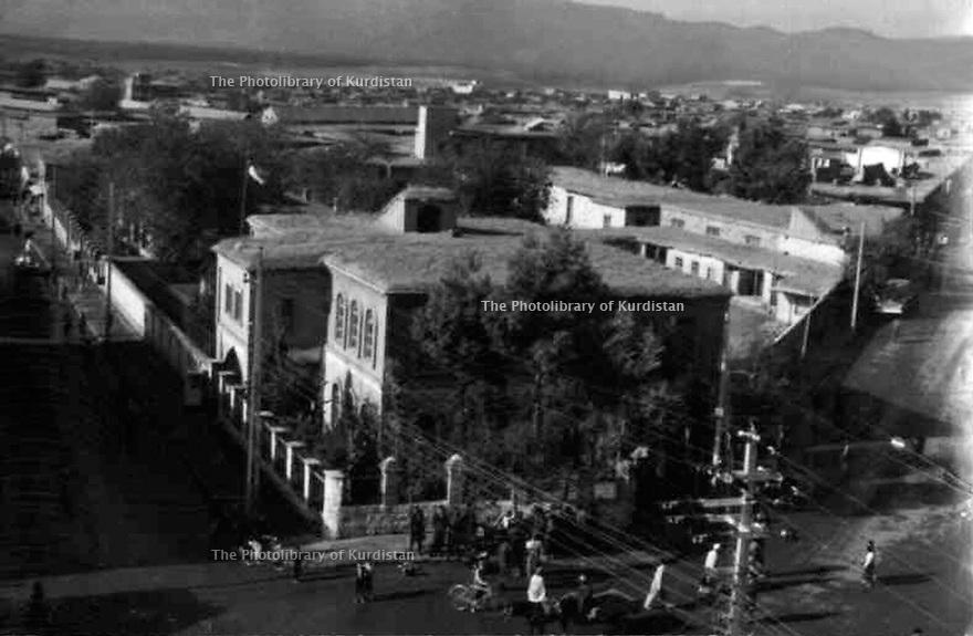 Iraq 1930? . Suleimania: The governor's office at the time of the monarchy  .Irak 1930? .Souleimania: le bureau du Gouverneur au temps de la monarchie