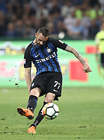 Calcio, Serie A: Inter - Juventus, Milano, stadio Giuseppe Meazza (San Siro), 28 aprile 2018.<br /> Inter's Marcelo Brozovic in action during the Italian Serie A football match between Inter Milan and Juventus at Giuseppe Meazza (San Siro) stadium, April 28, 2018.<br /> UPDATE IMAGES PRESS/Isabella Bonotto