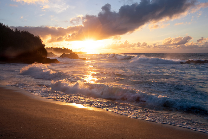 Limahuli Beach at sunset. Kauai, Hawaii