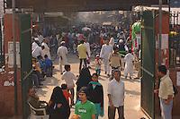 Stree scene outside the gates of a  Mausoleum in New Delhi, India